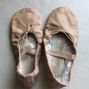 Ballet shoes for kids